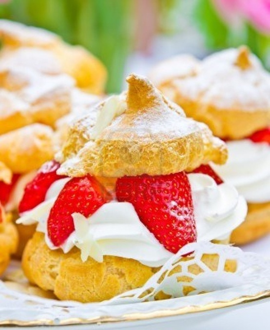 strawberry cream puffs | Dessert | Pinterest
