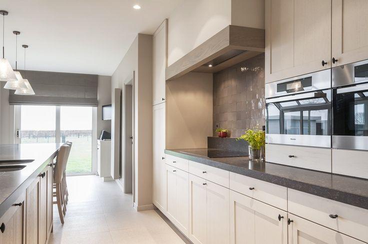 Belgian | Style | Interiors | Strak landelijke keuken en badkamer - Portfolio - Expro - Interieurarchitect Josfien Maes