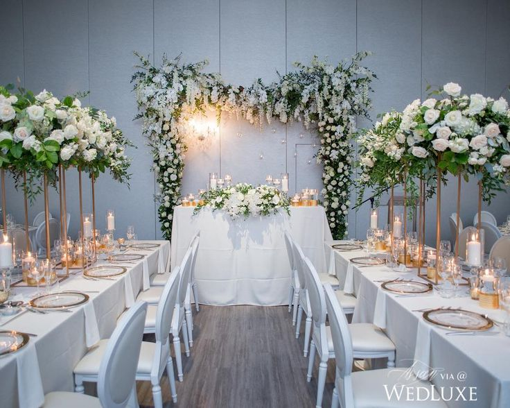 Lavish white florals abound at this stunning reception   Photography By: Amsis Photography   WedLuxe Magazine   #WedLuxe #Wedding #luxury #weddinginspiration #luxurywedding #floral #eventdesign #eventdecor
