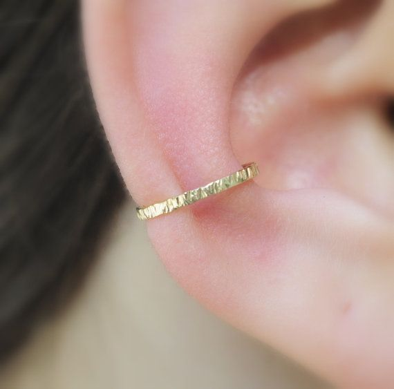 Sterling Silver Ear Cuff texturé 12 mm par Holylandstreasures