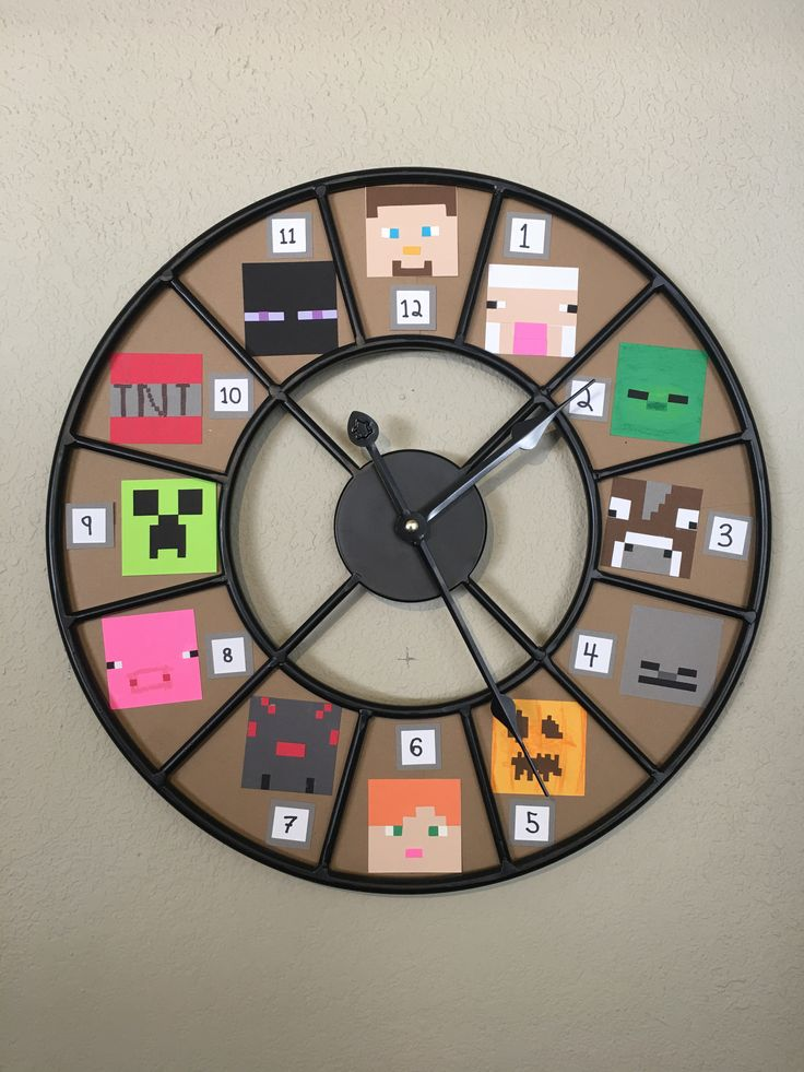 Handmade Minecraft clock for my son! Minecraft mobs used: Steve, sheep, zombie, cow, skeleton, pumpkin, Alex, spider, pig, creeper, TNT, Enderman