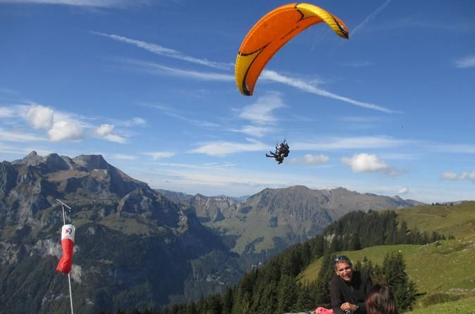 Engelberg Tandem Paragliding Tour with Instruction Enjoy a paragliding tandemflight in the beautiful mountains of Engelberg around the lake of Lucerne. See the breathtaking scenery of mount Titlis, Brunni, Stanserhorn and Pilatus from a birds eye view.Paragliding is the simplest, and most beautiful way to fly. Play with gravity, nature and its elements with almost unbelievably simplicity. Paragliding is NOT an high-risk sport. Forget about your daily problems and takeoff to en...