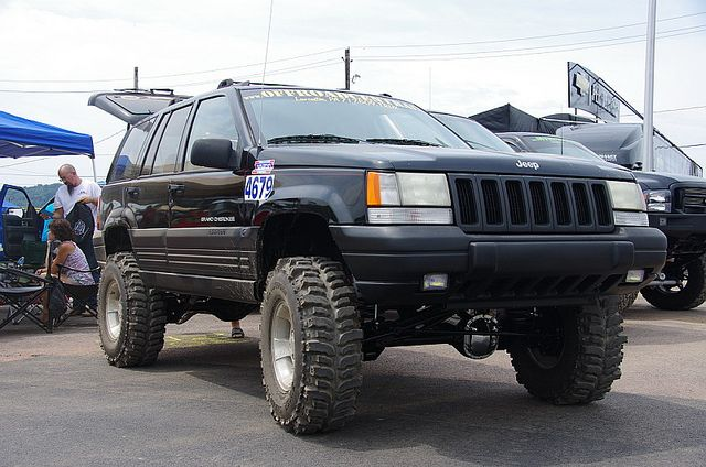 lifted jeep grand cherokee zj grand cherokee lifted pinterest jeep grand cherokee zj. Black Bedroom Furniture Sets. Home Design Ideas