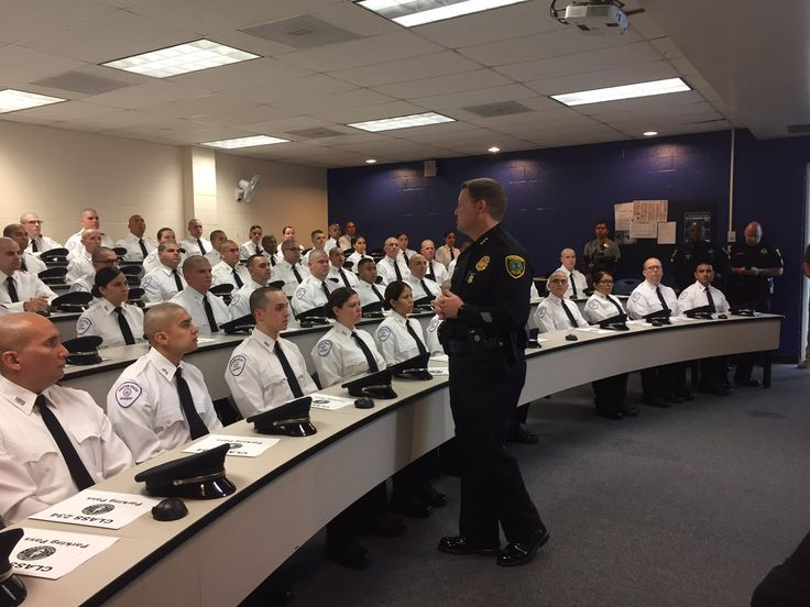 Houston PoliceVerified account   @houstonpolice  Nov 13  More  Executive Assistant Chief @MattSlinkard gives words of wisdom and encouragement to Cadet Class 234 on its first day in the academy. @hpdcareer