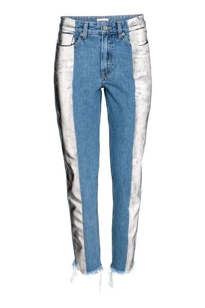 Enkellange 5-pocketjeans van gewassen denim met een folieprint. De jeans heeft een hoge taille, een iets verlaagd kruis en smal toelopende pijpen met een on