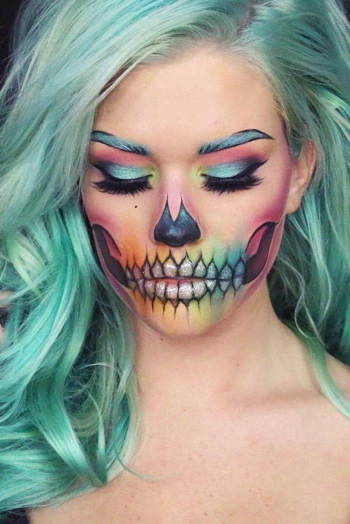 maquillaje-vampiresa-mujer-pelo-verde-cara=maquillada-calavera-brillante-colorido