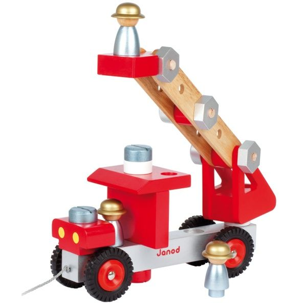 DIY Fire Truck #limetreekids This would keep my eldest little man busy for ages & that's a great thing!!