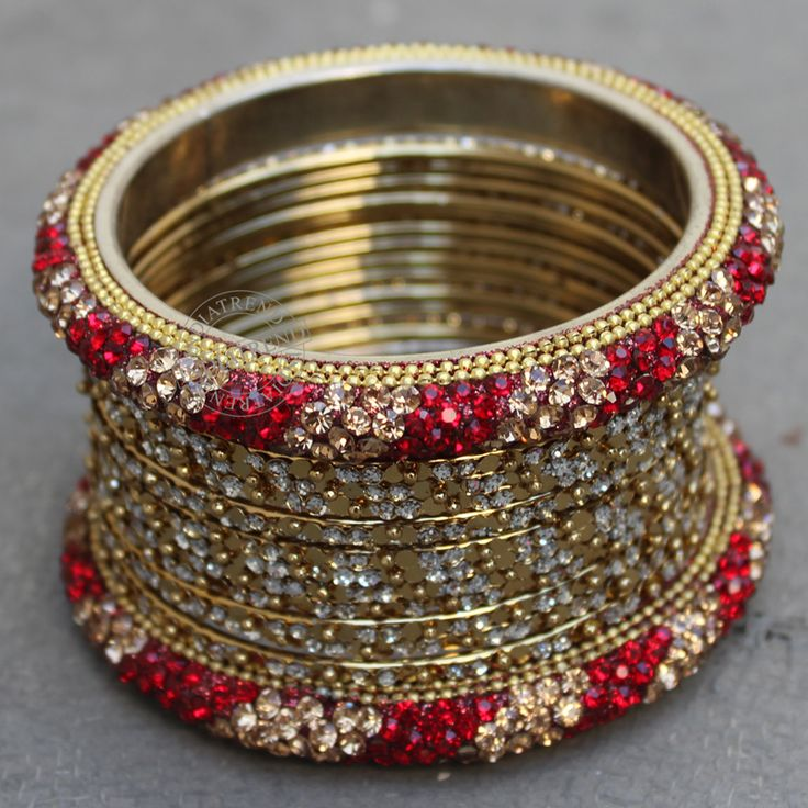 Rehana Bangle Set by Indiatrend. Shop Now at WWW.INDIATRENDSHOP.COM