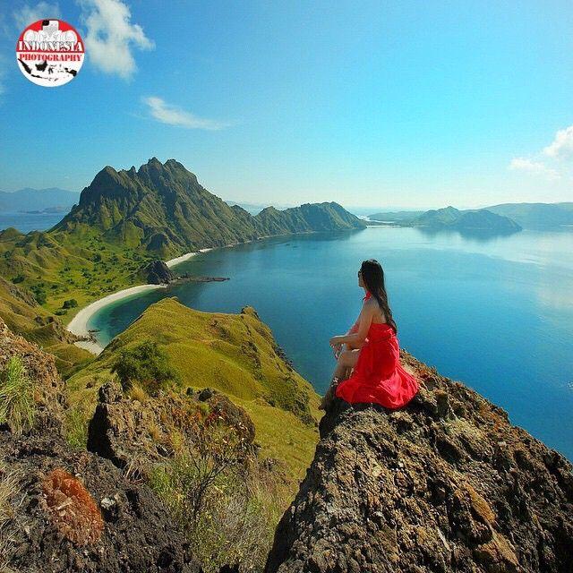 Featured Artist : @mahakemala Photo Location : Padar Island, Labuan Bajo