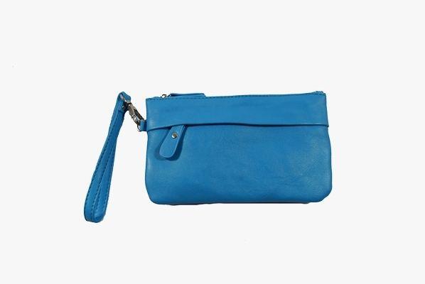 Bolso de mano Emke Romano Shawls de color azul con cierre de cremallera. Asa corta extraíble y asa larga opcional para colgar del hombro. Dos bolsillos exteriores y otro en el interior con cierre de cremallera.
