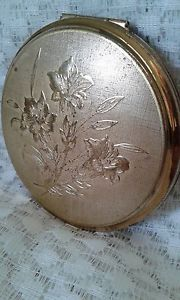 Pretty Vintage Stratton Powder Compact | eBay