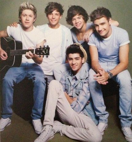 One Direction Tour 2013 Book Pictures - One Direction Photo (33724005) - Fanpop