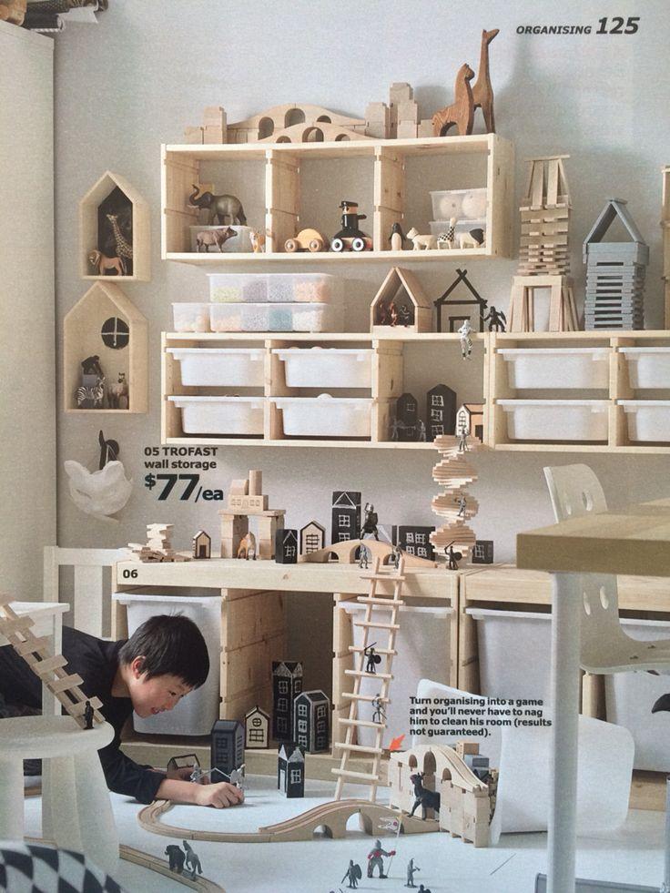 Wooden play room for kids, train, toys storage, // Houten speelkamer voor kinderen, trein, speelgoed opbergen