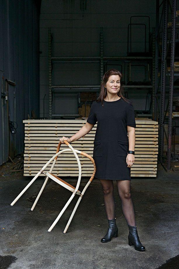 Årets möbel - Bow chair av Lisa Hilland »Hållbar design, tidlös estetik och ett snäpp schvungfull esprit.«