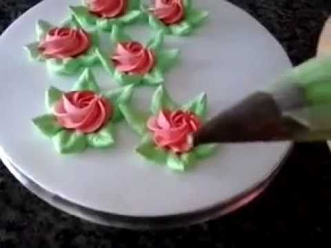 Vídeo gravado pela querida Inês Teles, onde ela mostra como fazer lindas rosinhas de chantilly.