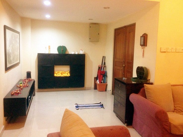 Radin Bagus, Bandar Sri Petaling, Kuala Lumpur - TWO AND HALF STOREY TERRACE HOUSE – INTERMEDIATE FOR SALE: Location: Taman Damai Utama, Bandar Kinrara, Puchong PROPERTY DETAILS:: * Land size: 22′ X 75′ * Built up: Approx. 2800 sf * 6 Bedrooms and 4 Bathrooms * Partly furnished * Renovated: + Built in kitchen cabinet + plaster ceiling + car porch tiled + auto gate + grille + TV Cabinet + Built in wardrobe * Including of 6 unit air-conds * Easy access to Puc