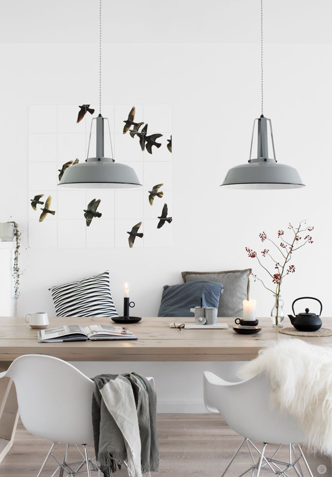Lange bank als zitplek voor bij de tafel en als tvmeubel, vogel ixxi, hkliving lampen, besjes [tanja-van-hoogdalem]