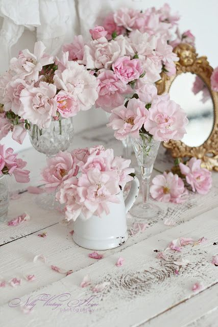 1000 images about gorgeous flowers gardens i love on pinterest gardens shabby chic and flower. Black Bedroom Furniture Sets. Home Design Ideas