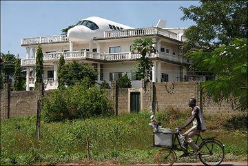 Ha Ha Ha... Airplane House Keeps Marriage Grounded, if Not Wife - Location: Abuja, Nigeria