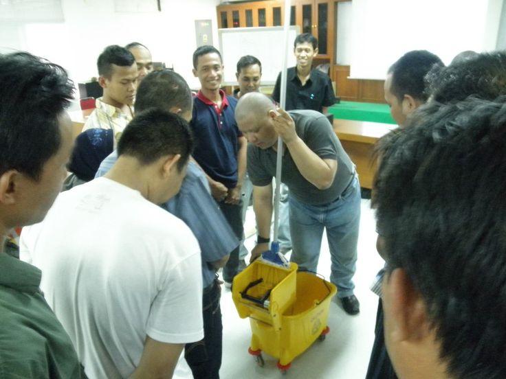 training-cleaning-service-jakarta-13