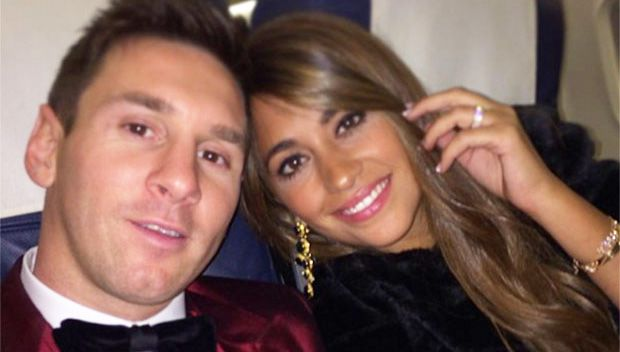 Lionel Messi Marries Longtime Sweetheart Antonella Roccuzzo In A Romantic Ceremony https://tmbw.news/lionel-messi-marries-longtime-sweetheart-antonella-roccuzzo-in-a-romantic-ceremony  Now, that's what you call marriage 'goals.' Soccer icon Lionel Messi married his childhood sweetheart, Antonella Rocuzzo, on June 30, tying the knot with the mother of his children in an incredibly glamorous event!Introducing: Mr. and Mrs. Lionel Messi. Or, Mrs. and Mrs. Antonella Roccuzzo. These two lovebirds…