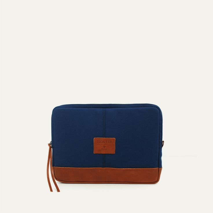 FÓRNEA LAPTOP CASE - Imperial Blue // Waterproofed sandwiched Canvas - 100% Cotton + 100% Portuguese vegetable tanned leather.