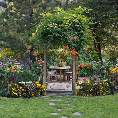 Love the wheel and gear fenceline.: Design Gardens, Favorite Places, Gardens Patios, Nice Gardens Interiors, Gardens Design Ideas, Ideas Gardens, Beautiful Gardens And Patios, Flowery Gardens, Dreams Gardens