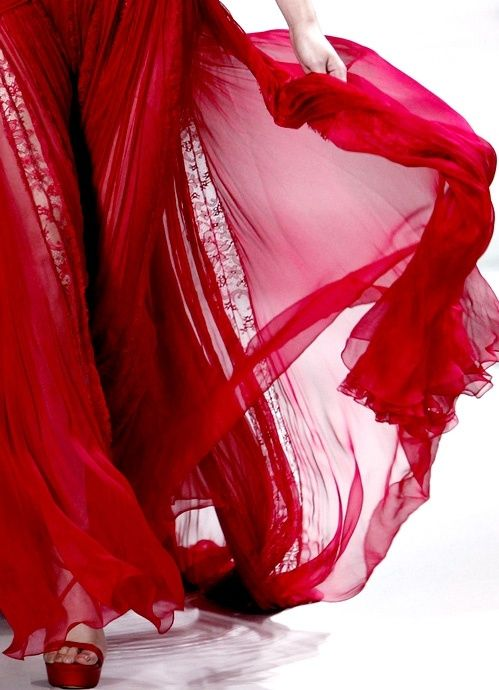 ... flowing red skirt ...