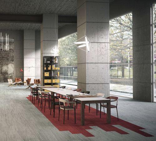 Commercial cut pile tufted synthetic carpet tile (GUT-certified, low VOC emissions) URBAN RETREAT 501 Interface France