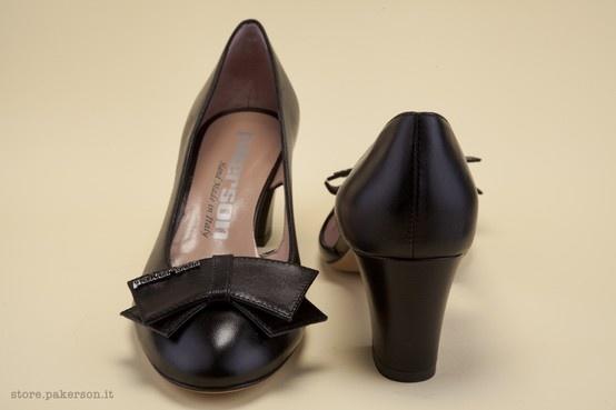 Italian handmade black décolletés: discover the beauty of Hand Made in Italy shoes for women. - Scarpe artigianali Italiane: scopri la bellezza delle décolletés Hand Made in Italy. http://store.pakerson.it/woman-decolletes-27299-nero.html