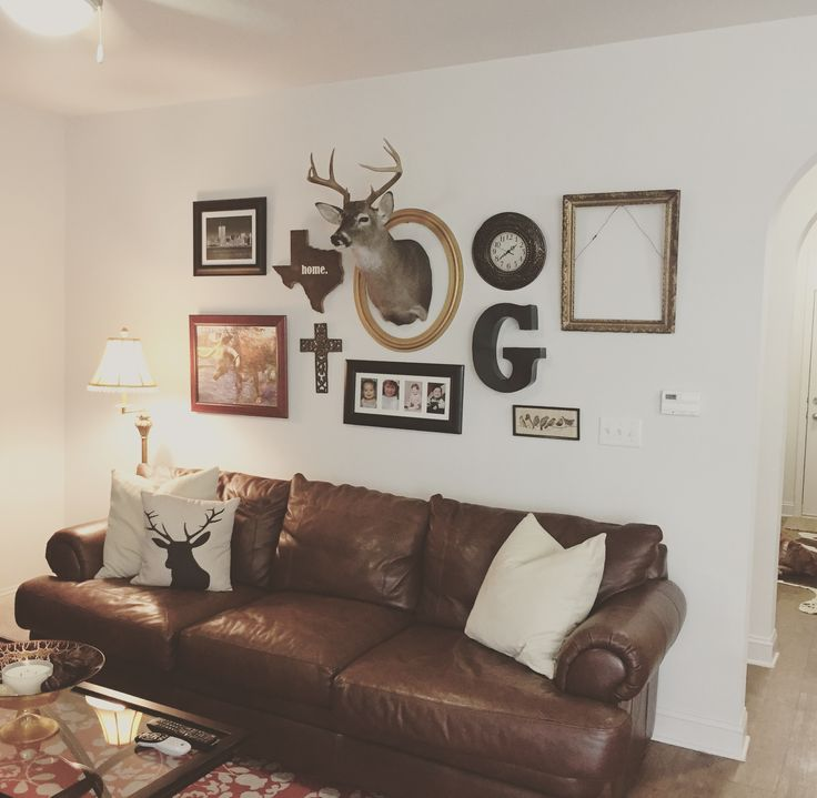 Eclectic Wall Decor Using Deer Head. #deerhead #funwall #texas