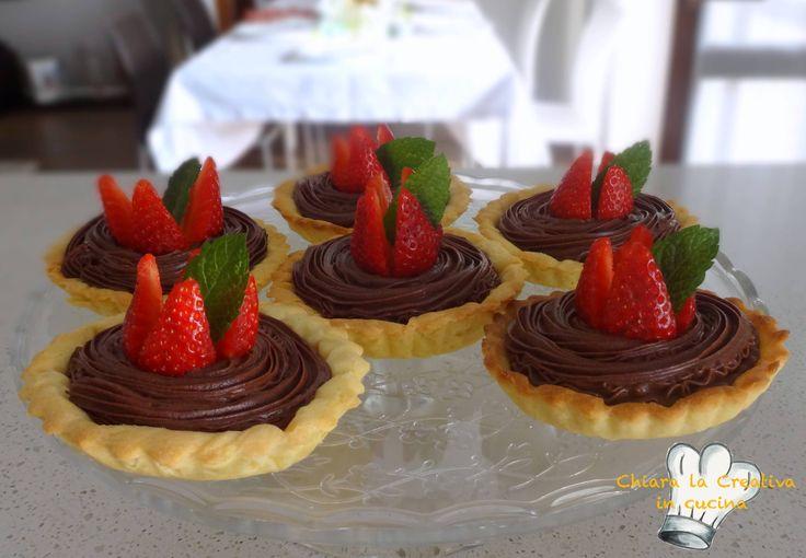 Crostatine con mousse al cioccolato