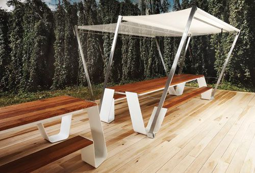 Love the simplicity and functionality of this picnic table shade. Get Out! The Table Shelter Photo