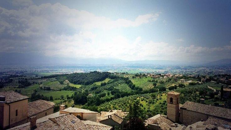 Panorama dalla Ringhiera d'Umbria #InMontefalco foto di @lord_inno