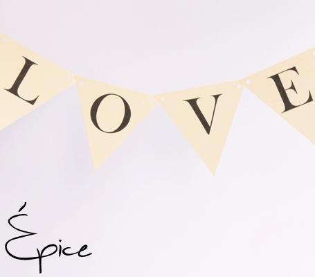 Girlanda Love / Love paper garland