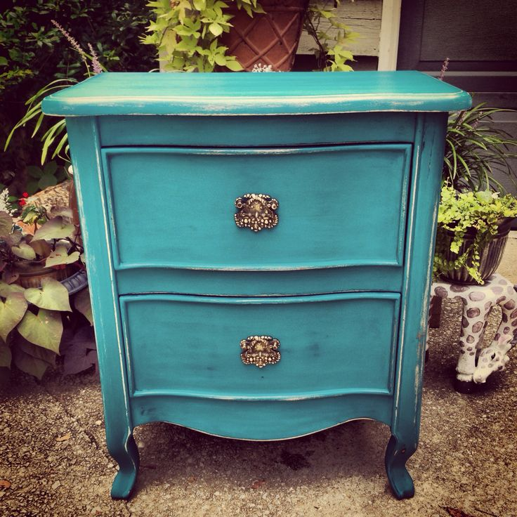 Fancy Finds & Designs   adorable teal nightstand