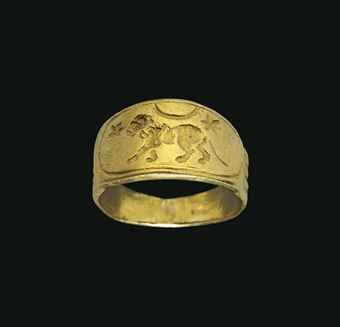 A ROMAN GOLD FINGER RING   CIRCA 2ND CENTURY A.D.