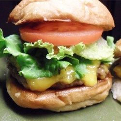 Juiciest Hamburgers Ever Recipe - Juicy, flavorful burgers - just what you need for a perfect summer evening in the back yard!