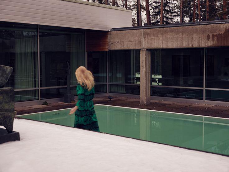 Anne Törnroos/ Stylist Fashion editorial, style, LEON magazine, Ewa Fröling, vintage dress, pool, photo: Staffan Sundström