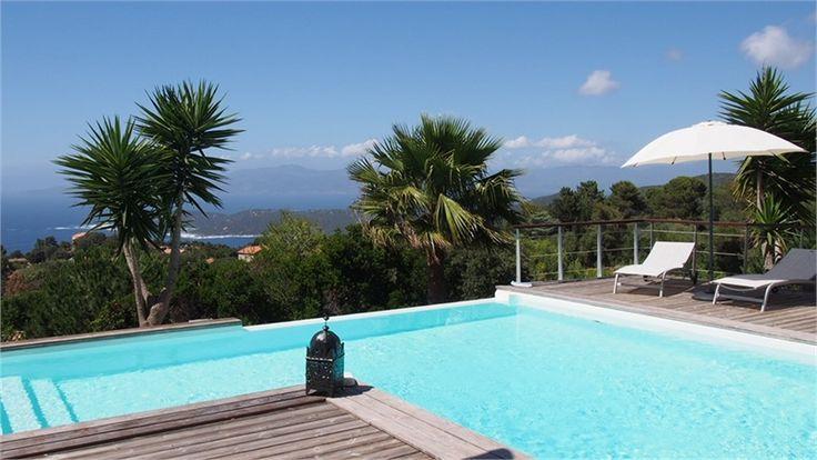 A vendre chez Capifrance à Acqua Doria magnifique villa à 30 min d'Ajaccio.    Jolie propriété de 134 m² composée de 4 pièces dont 3 chambres et un terrain de 2300 m².    Plus d'infos > Philippe Formento, conseiller immobilier Capifrance.