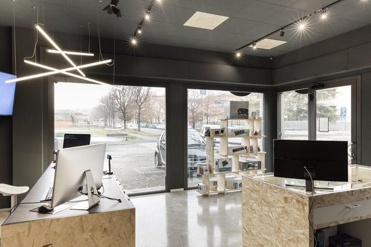 AB Computer, Treviglio, 2015 - Margstudio - computer shop restyling