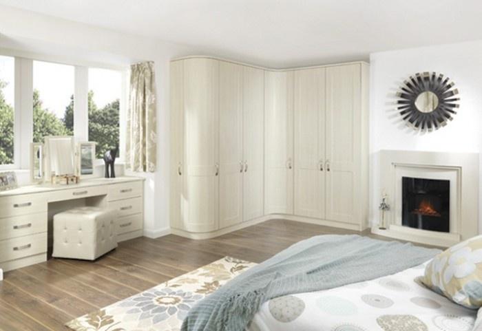 Shaker White fitted wardrobe
