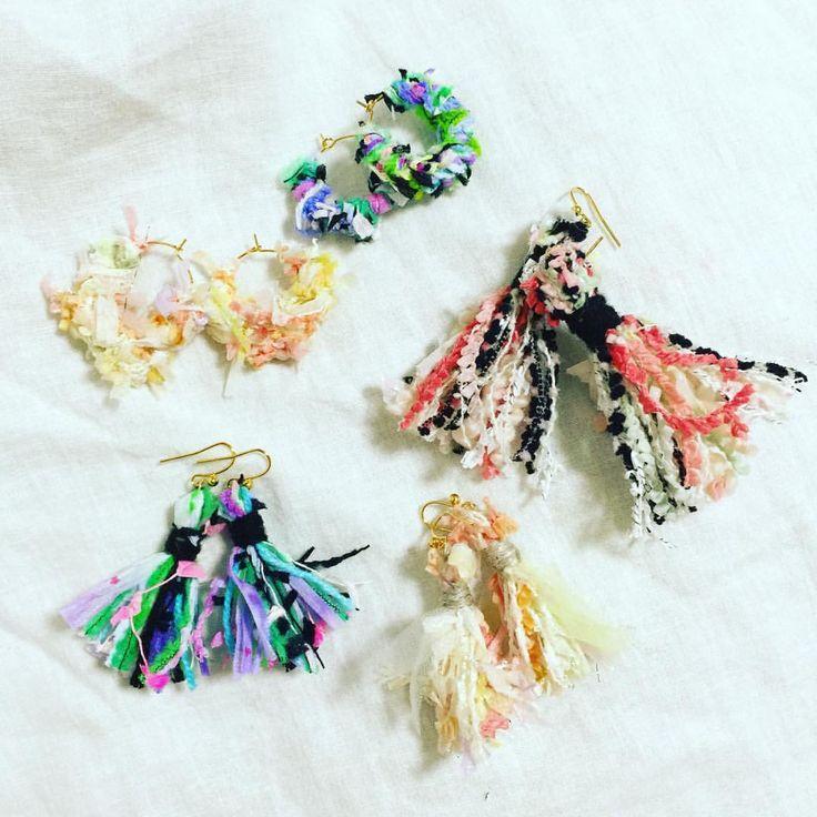耳元からおしゃれに秋を先取り♪ふわふわモコモコの「毛糸ピアス」の作り方