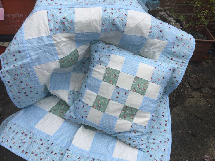 My first quilt and cushion I've made