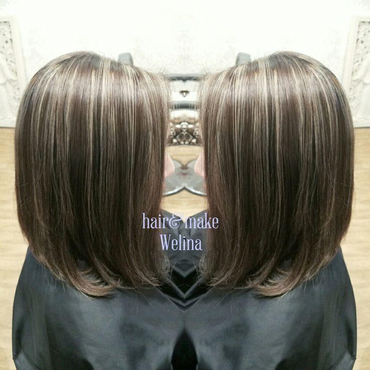 ハイライトたっぷり❤  ベースは暗めのアッシュグレージュ✨ ハイライトは 7mm~3mmをランダムに😘  ゆみちゃんありがとうございました✨  #highlights #haircolor  #grayge #ashbrown #ヘアカラー #ハイライト #アッシュ #アッシュグレージュ #外人さんカラー #ブリーチonカラー  #hairsalon #Welina #hitomiyanagida #myworks #お客様photo #感謝