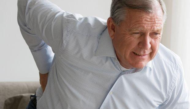 http://www.descontosideiasinovadoras.com/dores-nas-costas/espondilite-anquilosante-dor-nas-costas-ou-algo-mais-grave/ - Espondilite Anquilosante: dor nas costas ou algo mais grave? - A Espondilite Anquilosante (EA) é uma doença inflamatória que afeta as articulações da coluna vertebral e que se manifesta normalmente através de rigidez e dores intensas nas costas. Progredindo a uma velocidade diferente consoante a pessoa, a EA manifesta-se através de episódios de dores fortes e agudas.