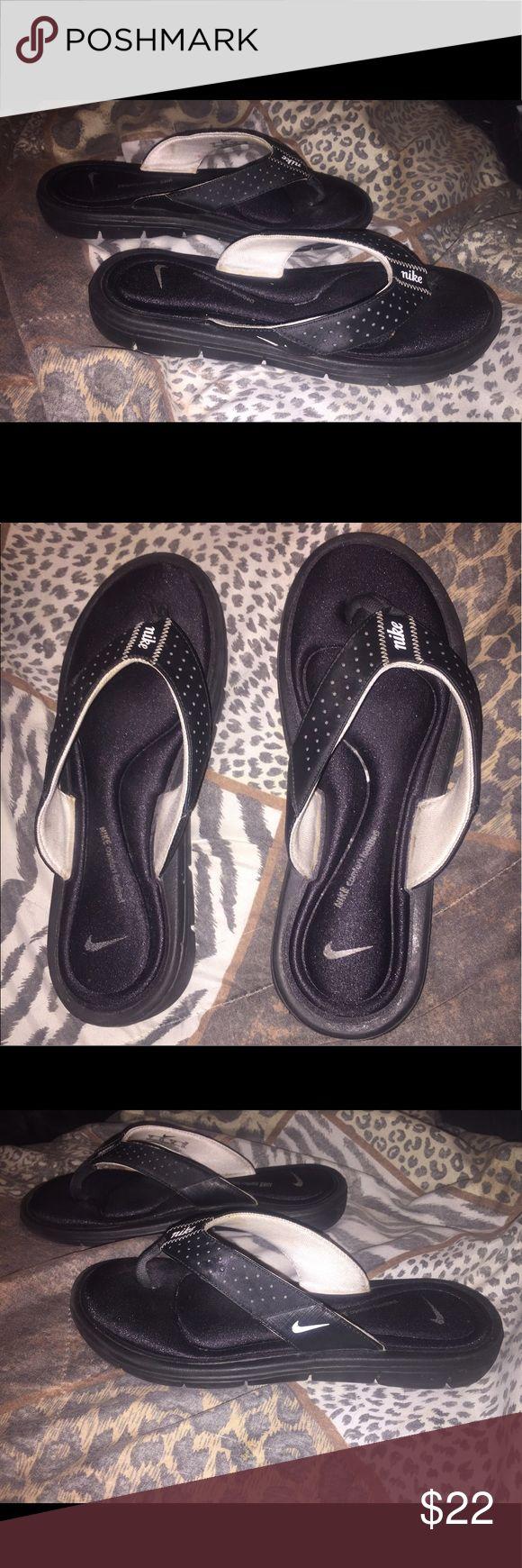 💋NWOT! NIKE Black Memory Foam Flip Flops Size 7 AWESOME NIKE FLIPS FLOPS! With Memory Foam. Size 7. ABSOLUTELY NEVER WORN! Nike Shoes