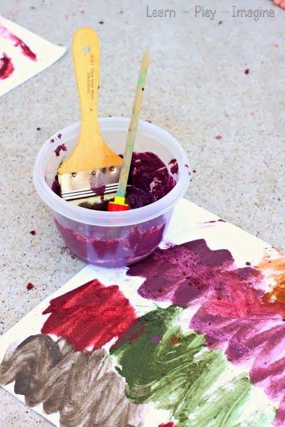 Mud paint recipe - Simple to make colored mud paint.  For forest school wonder if we could find naturally different coloured mud... clay, mashed leaves etc?