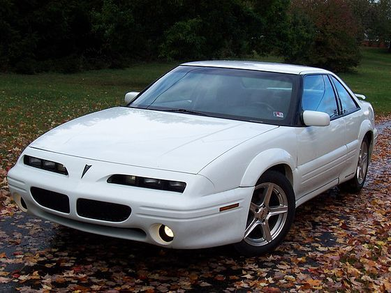 White Pontiac Grand Prix 1996