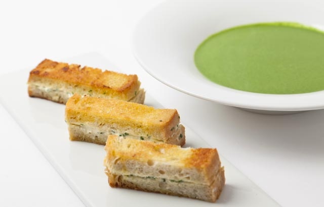 Spinach soup with wild garlic toasts: http://www.greatbritishchefs.com/recipes/spinach-soup-with-wild-garlic-toasts#